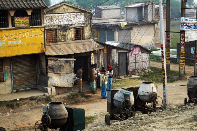 A lot of homes and buildings in Kolkata look like post apocalyptic movie sets.